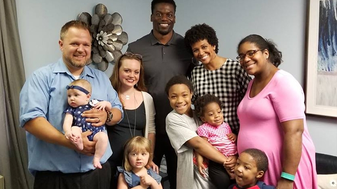 Benjamin and Kirsten Watson meet with Pregnancy Clinic clients and their families during tour of the life-saving pregnancy center.