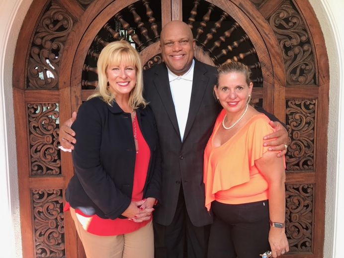 Ana Munguia (right) with Cindi Boston and Dr. Ronaldo Archer in El Salvador