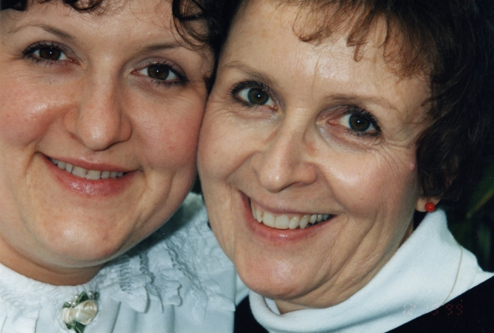 Nancie Phillips (L) met her birth mother, Kay Frost, for the first time in 1999.