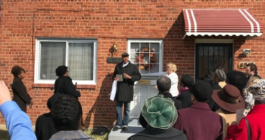 Pastor Walker leads dedication of The Southeast Pregnancy Center.